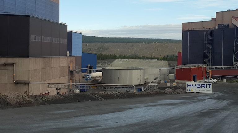 I mitten av bilden syns testanläggningen som byggs på LKAB i Malmberget.