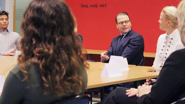 Prins Daniel besökte Hjalmar Lundbohmsskolan i Kiruna för att tala om entreprenörskap.