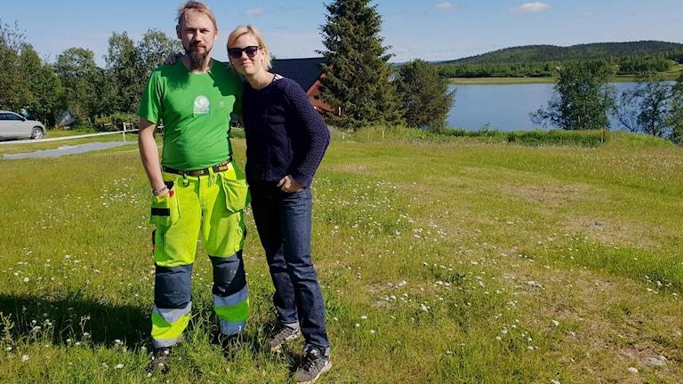 Kusinerna Anders Wälitalo och Marielle Holmlund i Maunu.