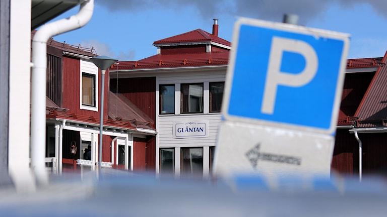 Minoritetsspråksboendet Gläntan i Kiruna har fuktproblem och i september 2017 ska de som bor där flytta ut.
