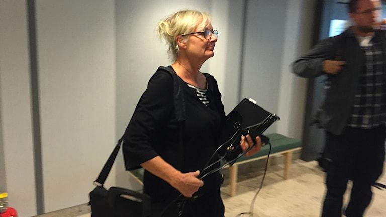 Åklagaren Åse Schoultz i Luleå tingsrätt inför häktningsförhandlingarna.