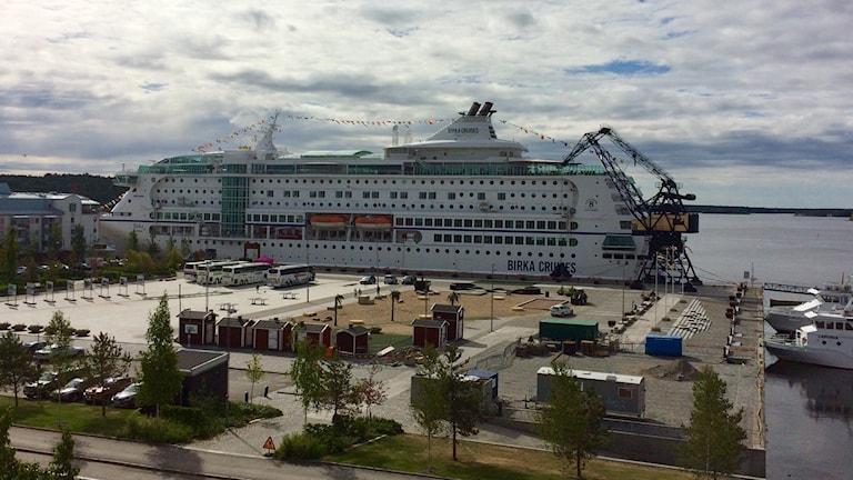 Birkas kryssningsfartyg i Luleås södra hamn.