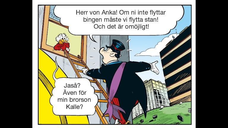 Kalle Anka som har insprierats av Kiruna stadsflytt