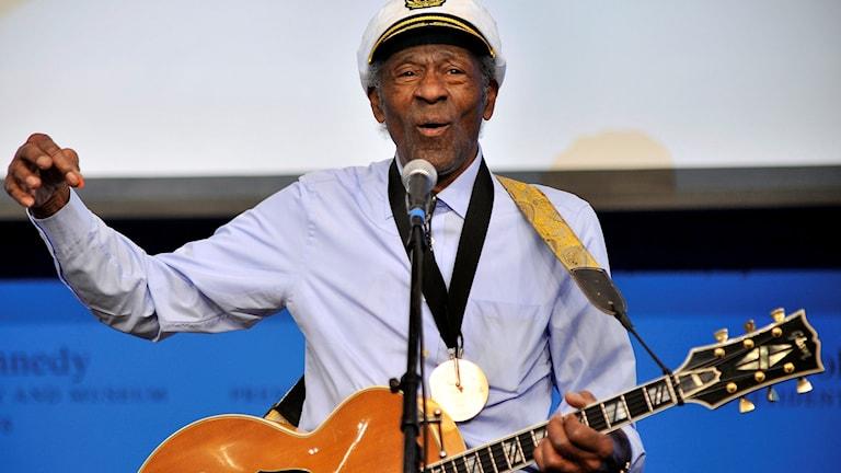 Chuck Berry under en spelning 2012.