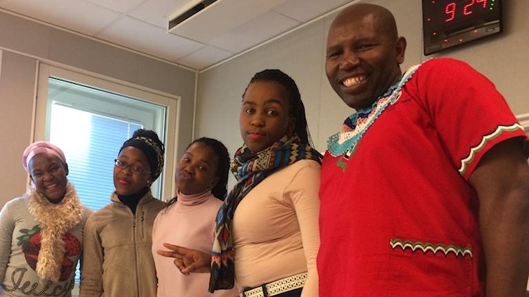 Xolisa Mkonjeni, Zintle Lungisa, Mihlali Magadla, Siyasanga Memani och Malliande