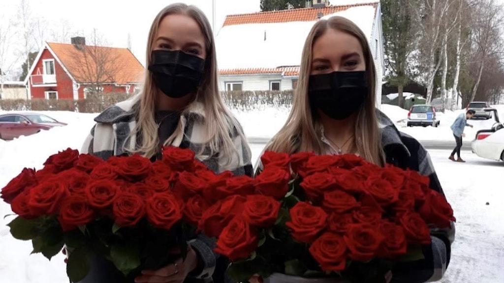 Emilia Attila och Olivia Lilleberg.