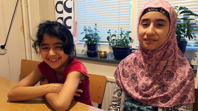 Fatema och Asma Mousavi.