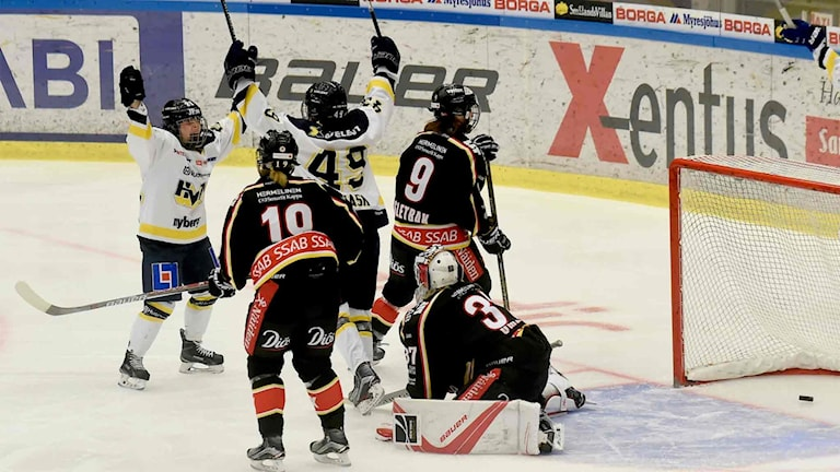 HV71 gör 1-0 i semifinal två.