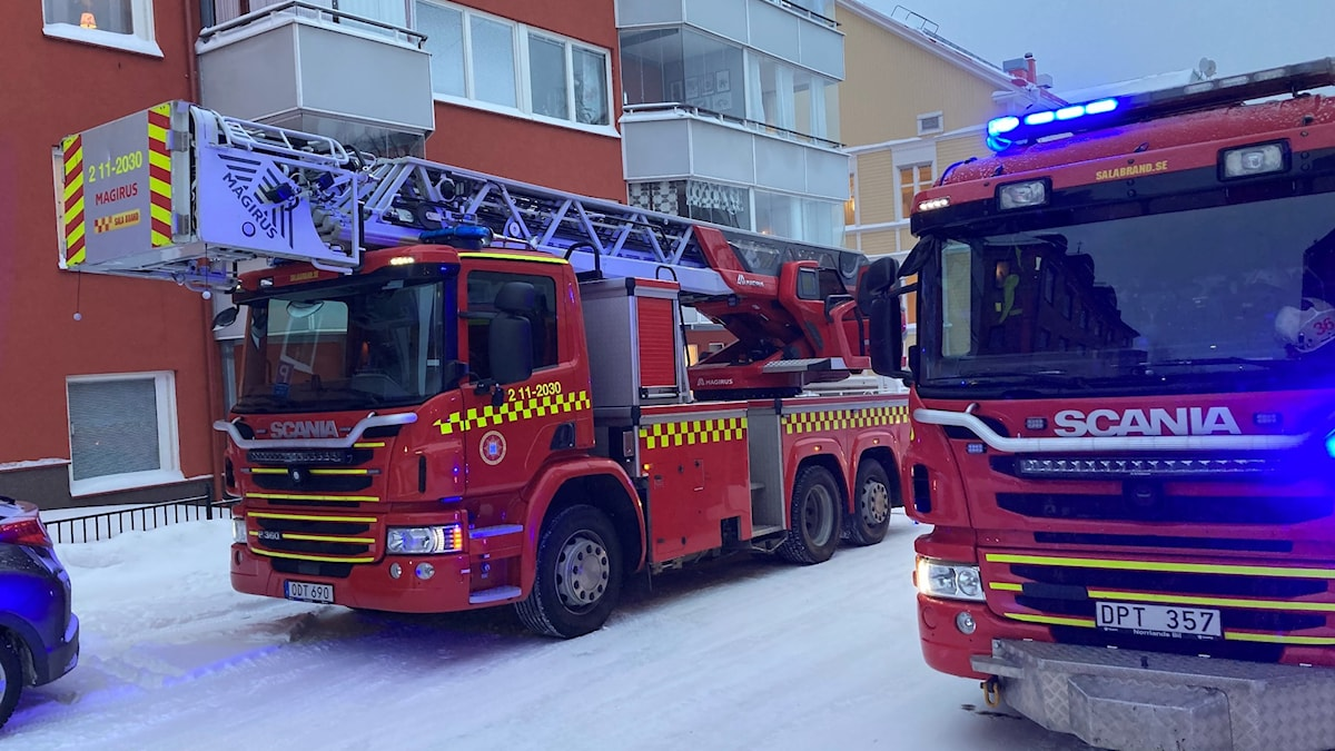 Brandbilar på Stationsgatan i centrala Luleå.
