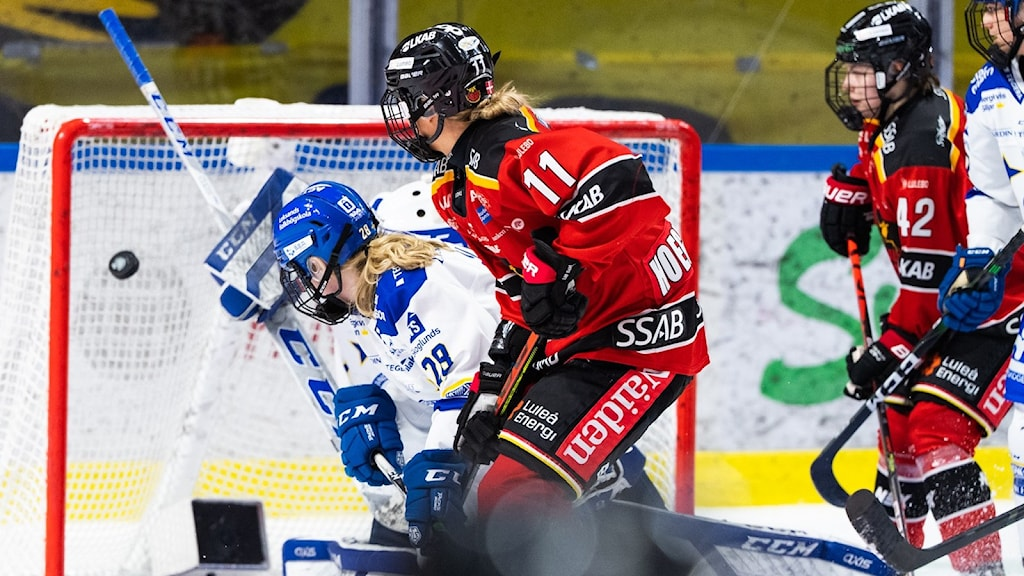 Luleå Hockey/MSSK;s  Josefine Hoegh Persson sätter 5-1 mot Leksand.