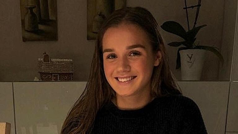 Andrea Norheim när hon skrev under kontraktet med Piteå.