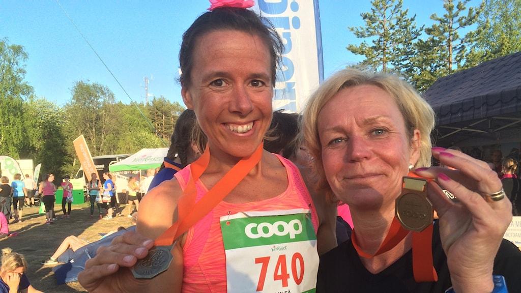 Löpcoachen Johanna Nilsson med P4 Norrbottens Anneli Lindbäck. Foto: Eva Elke/ Sveriges Radio