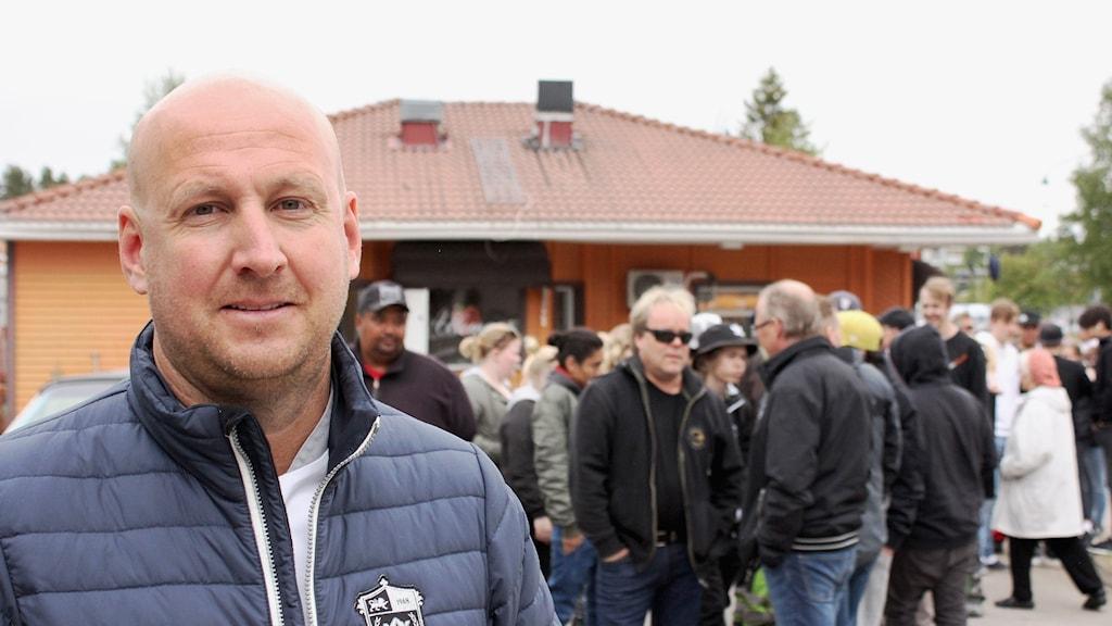 Vice vd Christoffer Bergfors i Gällivare för att fira att Max fyller 50 år.