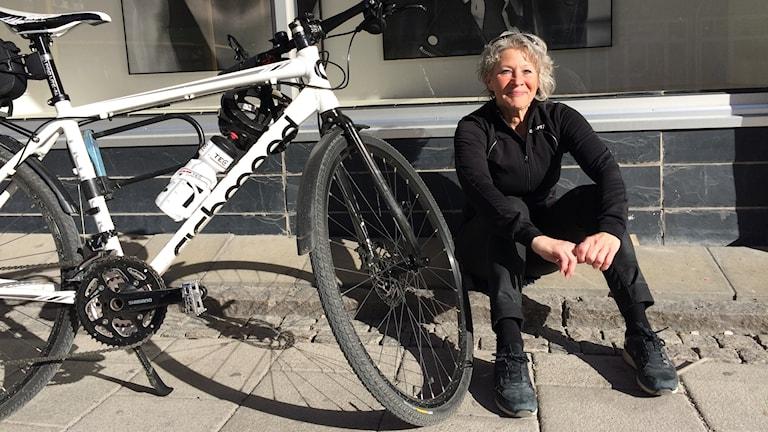 Marie Schols med cykel