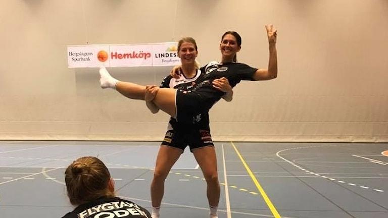 Boden handboll vann även den andra träningsmatchen under helgens cup i Lindesberg.