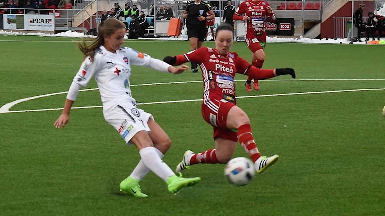 Piteå IF:s June Pedersen mot Rosengård i Svenska cupen i fotboll.