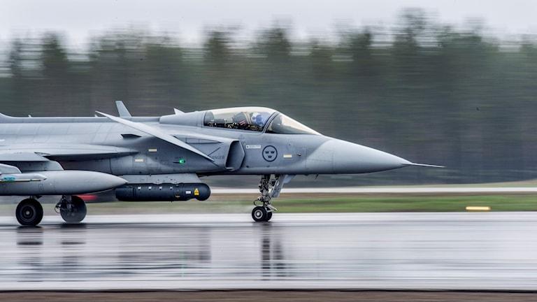 JAS 39 Gripen på Luleå-Kallax flygplats.