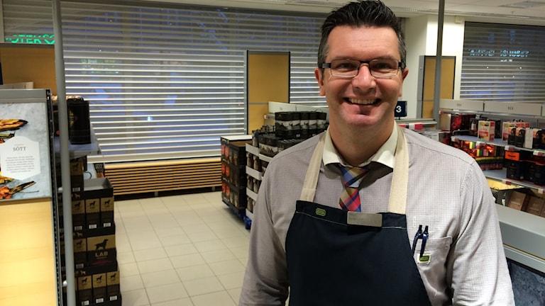 Paul Mitchell, butikschef i Luleå.