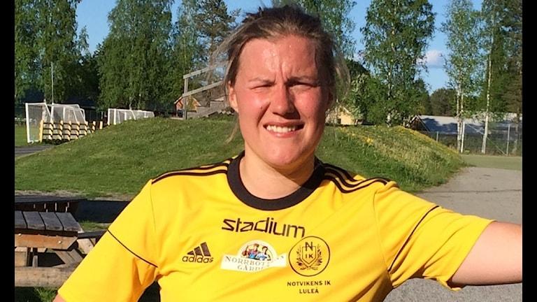 Emma Eliasson i Notvikens fotbollströja.