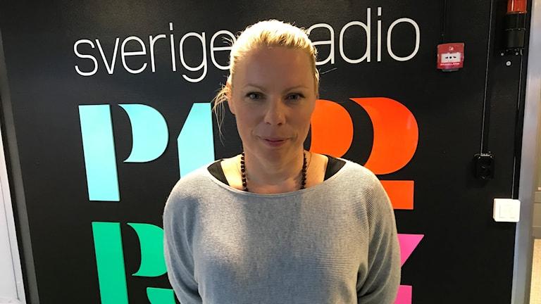Caroline Engvall föreläser om sexualbrott på nätet.
