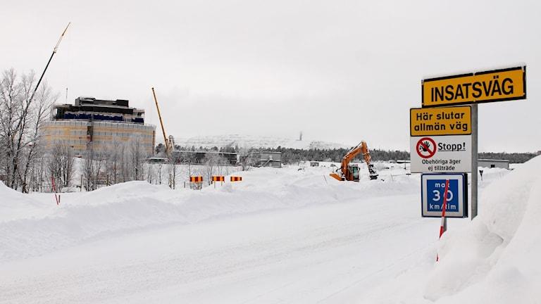 Gråbergsmassor innehållande kvicksilver har använts för att bygga väagr i Kirunas nya centrum.
