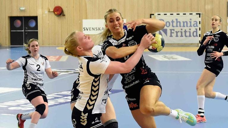 Arkivfoto. Boden Handbolls Emmy Nordmark mot Eskilstuna Guif.