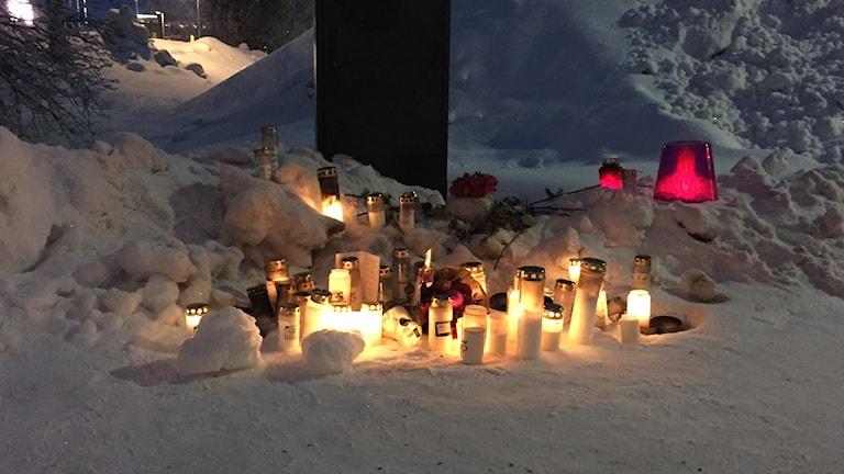 Bilolycka, dödsolycka i Luleå, julaftonsolycka, ljus vid olycksplats