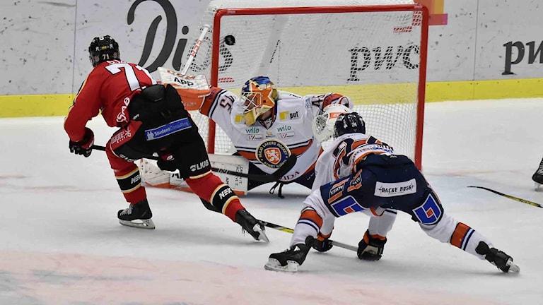 Patrick Cehlin gör 2-0 för Luleå