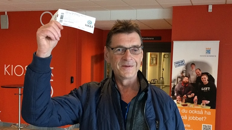 Thomas Johansson, glad biljettägare