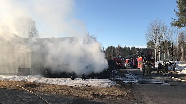 Villabrand i bostadsområdet i Sunderbyn utanför Luleå.