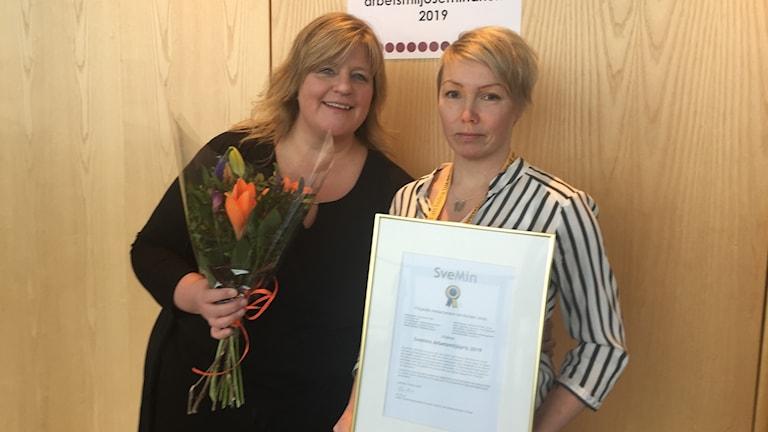 Sofia Stambro och Maria Åkemalm, två av de nio Aitikanställda som fick miljöpriset.