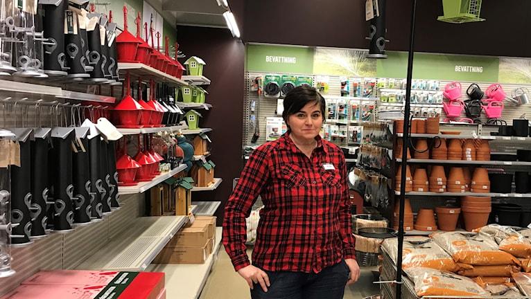 Heléne Nilsson, säljare på butiken Granngården i Luleå.