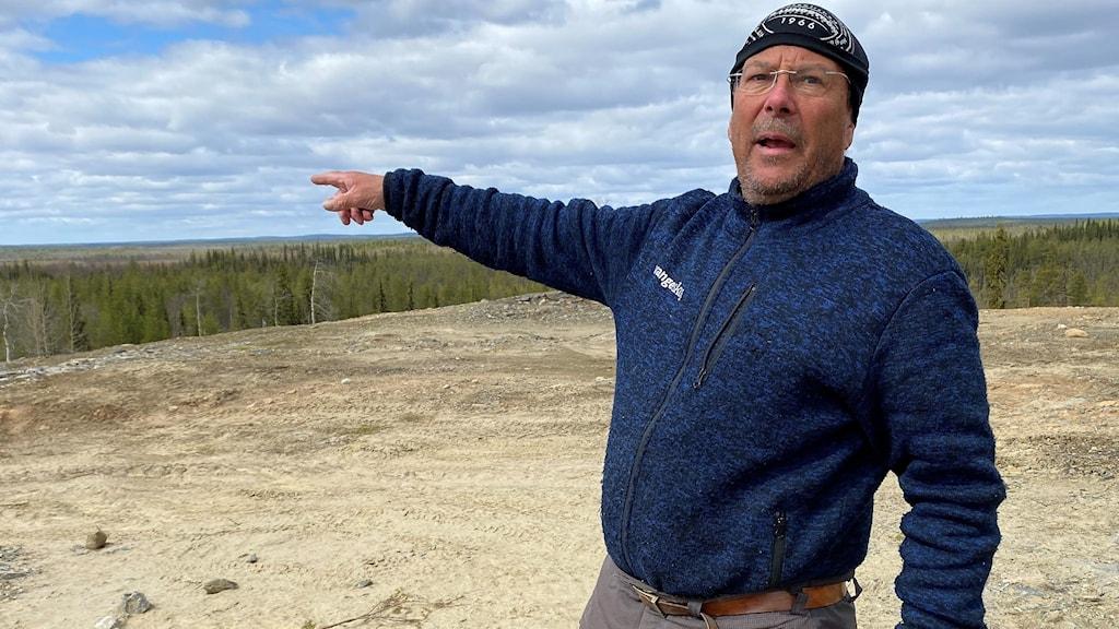 Tomas Sevä vid planerade gruvan Sahavaara.