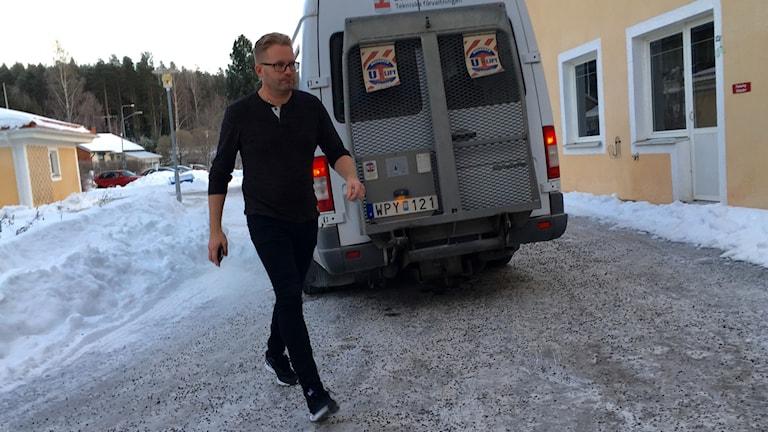 Jörgen Widgren ser till så att flytten går smidigt till.