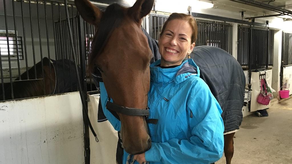 Sofie Viksten föreläser om hästvälfärd.