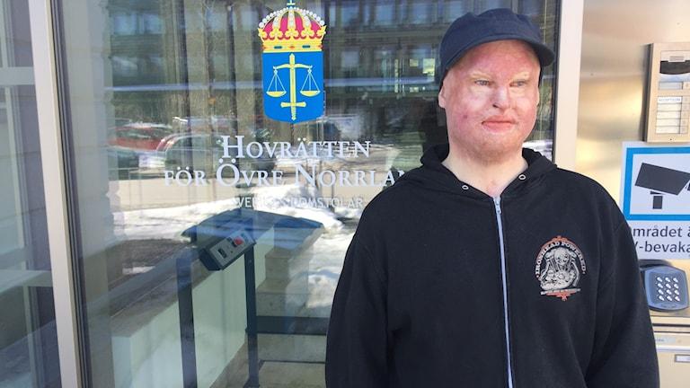 Gustaf Seppelin Solli utanför hovrätten i Umeå.