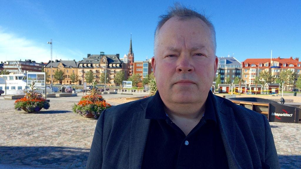Christer B Jarlås, åklagare vid riksenheten för miljö- och arbetsmiljömål, i Luleå på Södra hamn