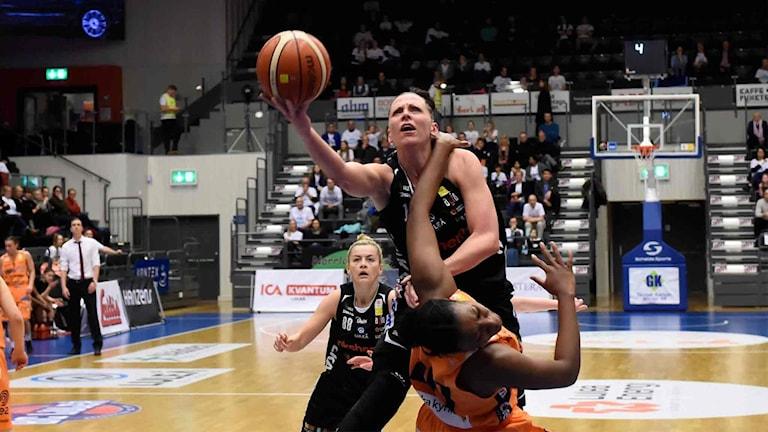 Luleå Baskets Anna Barthold mot Norrköping.