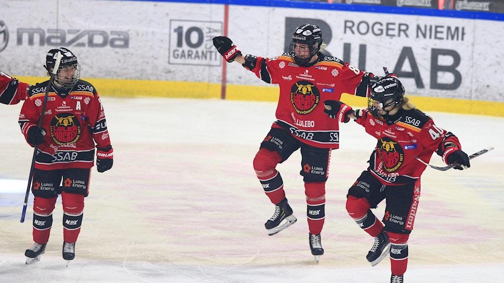 Luleå Hockey/MSSK jublar efter mål i SDHL.