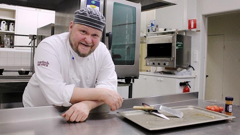 Antero Laurila har jobbat som köksmästare i Bolagshotellet i Kiruna i 18 år.