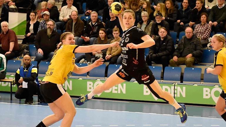 Boden Handbolls Mariana Lopes mot Eslöv i SHE.
