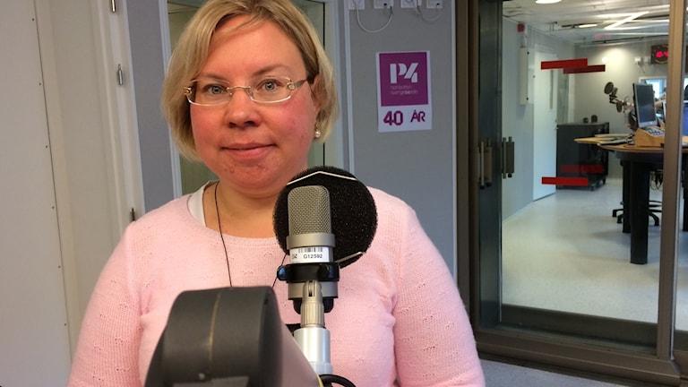 Linda Ylivainio (C) i P4-studion.