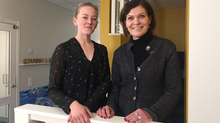 Frida Wessman och Ewa Aspvik Henriksson på Bergkristallens förskola i Kiruna.