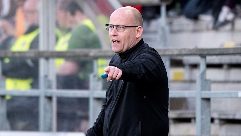 Piteå IF dams tränare Stellan Carlsson under bortamatchen mot Rosengård.