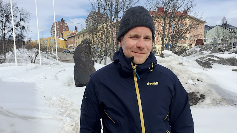 Tobias Lustig, trafikingenjör på Kiruna kommun, pratar om cyklisternas framtid i Kiruna.