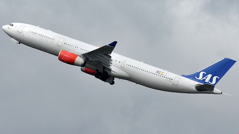 SAS-flyglan lyfter.