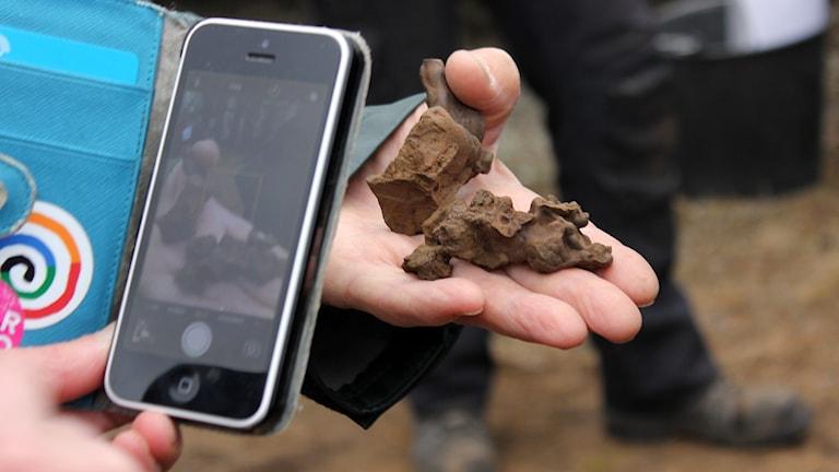 Slagg som har blivit över när järn framställts för drygt tvåtusen år sedan i Vivungi.