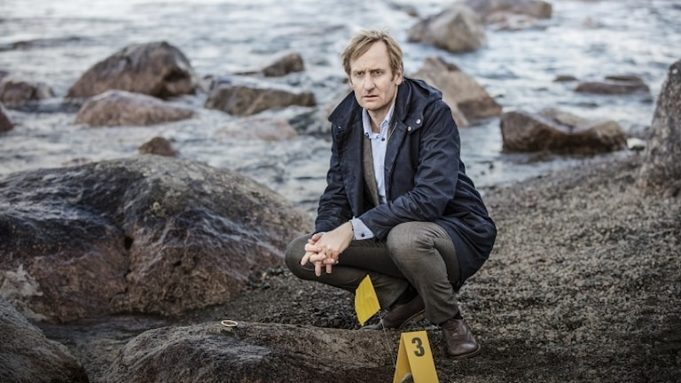 Gustaf Hammarsten som spelar åklagaren Anders Harnesk i Midnattssol i SVT.