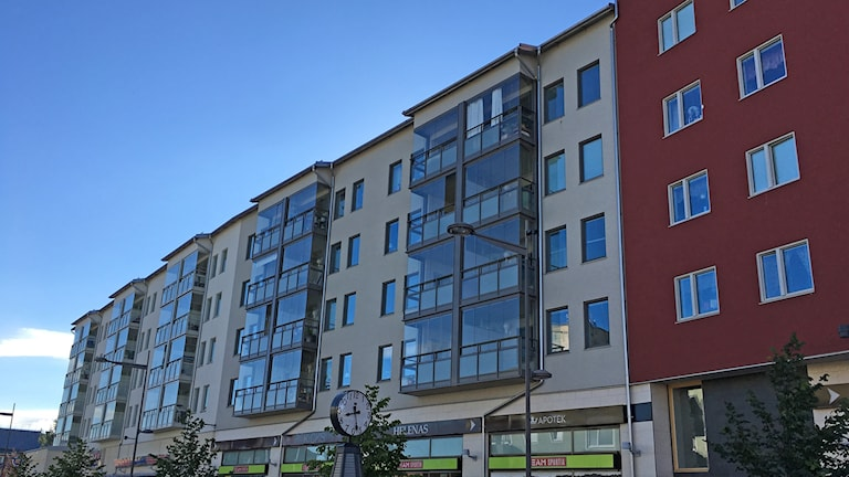Bild på en lägenhetsbyggnad i Boden.