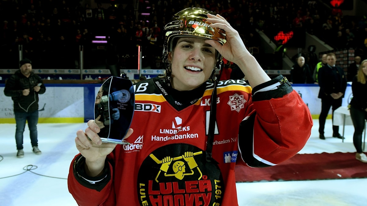 Luleå Hockey/MSSK:s Emma Nordin i guldhjälm